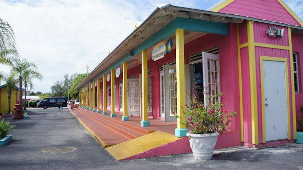 Visiting Grand Bahama Island - Shops