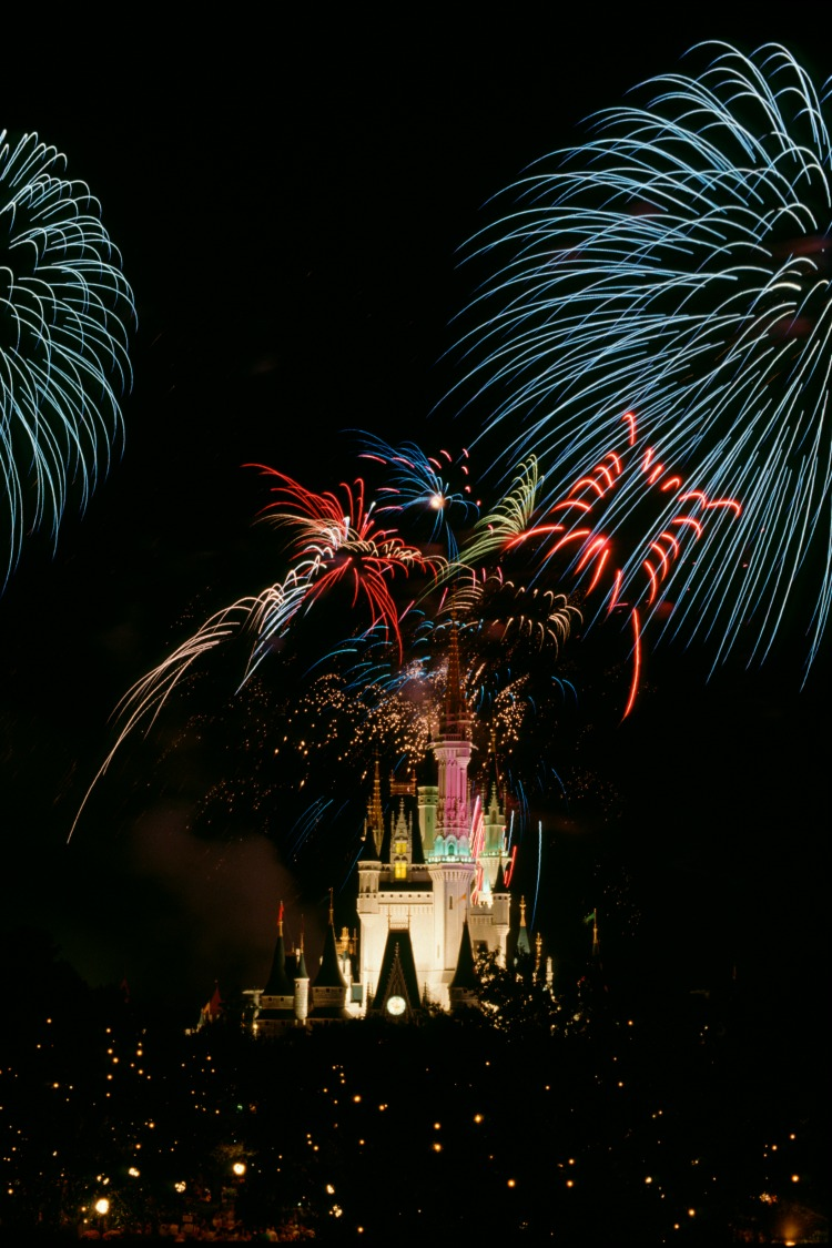 Romantic Places and Activities at Disney World Fireworks