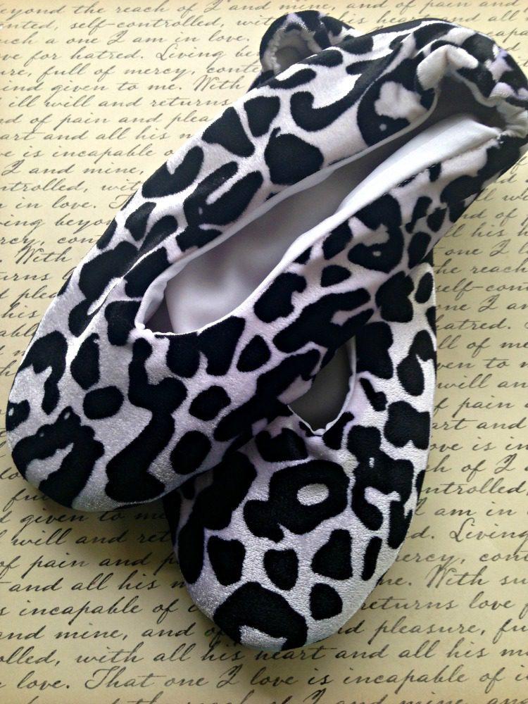 Geluxury Slippers