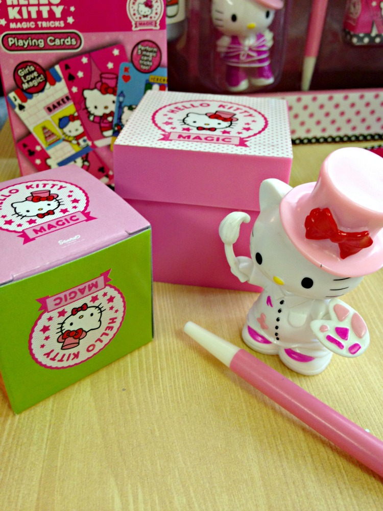 Hello Kitty Magic Tricks 4