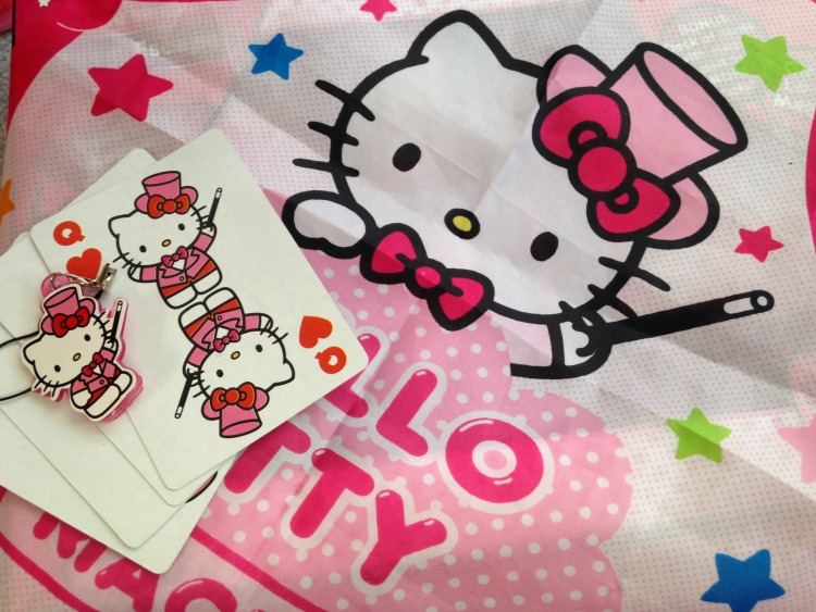 Hello Kitty Magic Tricks 5