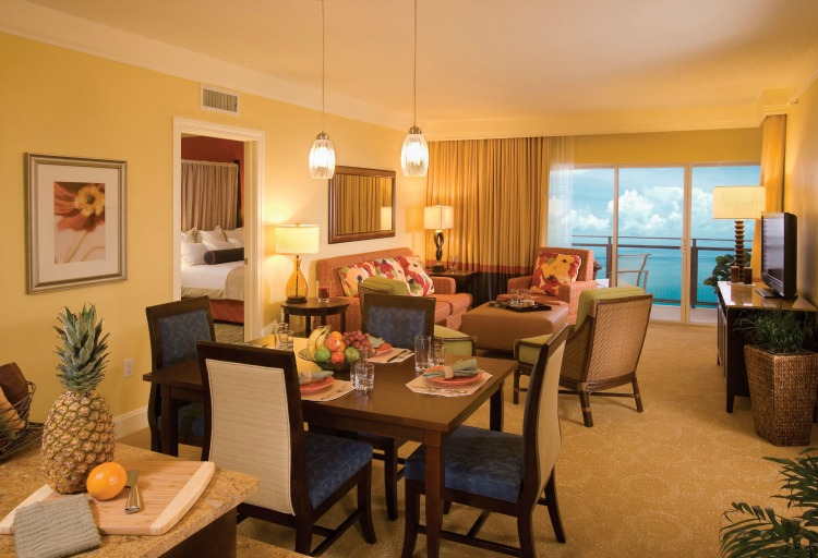 Marriott's Oceana Palms Living and Dining area