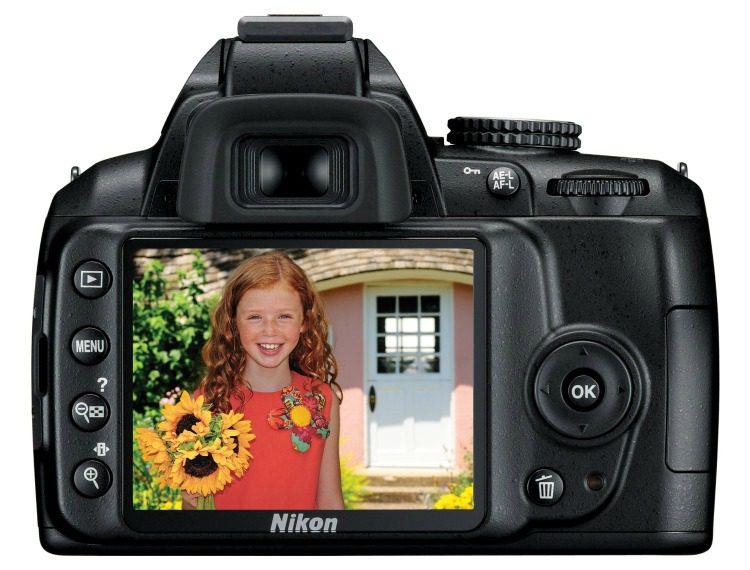Nikon D3000 10.2MP Digital SLR Camera4