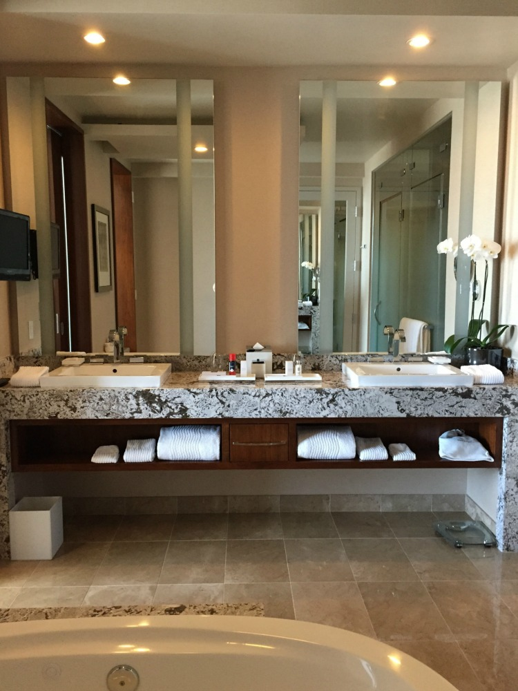 ARIA Hotel & Sky Suites in Las Vegas - ARIA Sky Suites Bathroom 2