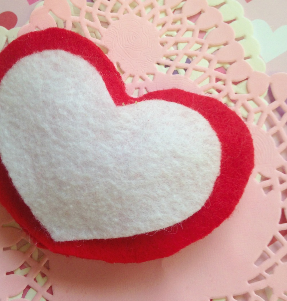 No Sew Valentine's Day Puffy Felt Heart 7