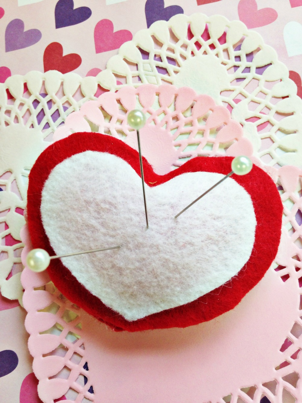No Sew Valentine's Day Puffy Felt Heart Pin Cushion