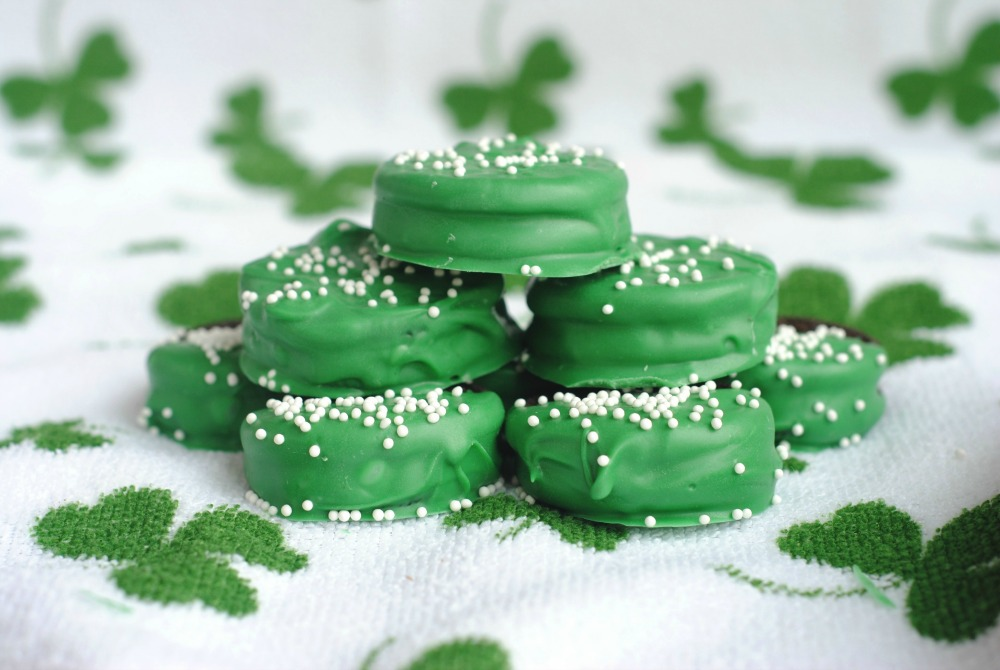 St Patricks Day Green Oreos 1