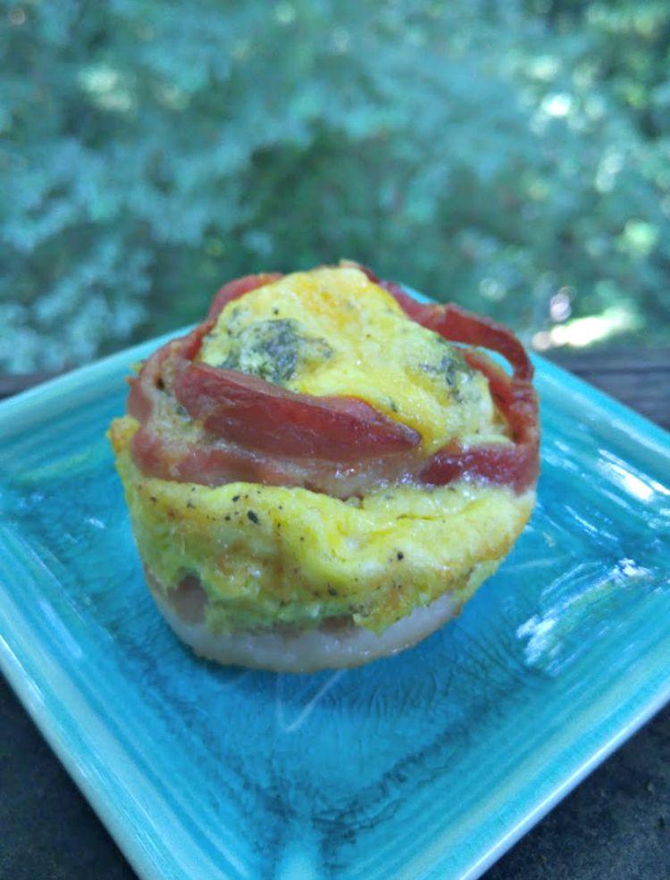 EASY BREAKFAST RECIPE: Bacon & Egg Cups