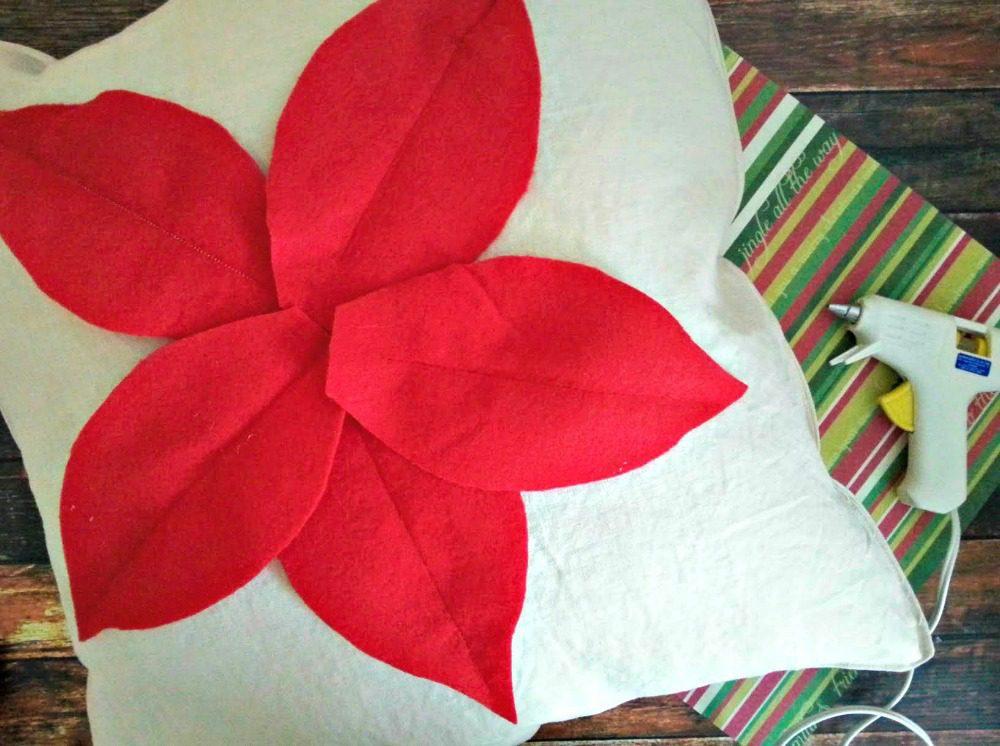 Poinsettia Pillow Tutorial
