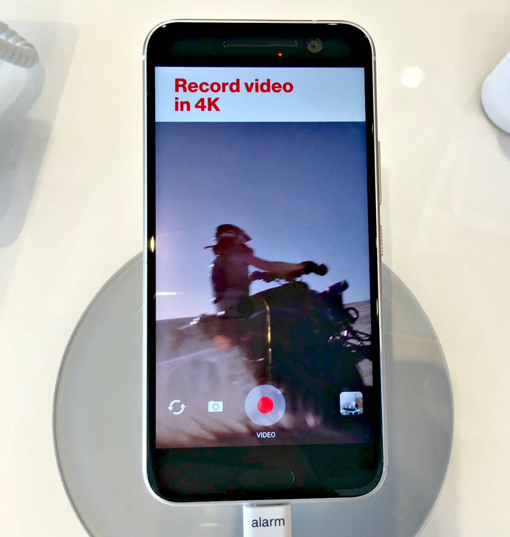 Get the HTC 10 exclusively at Verizon for Mother's Day #MomandMeVZATL #Verizon #HTC10
