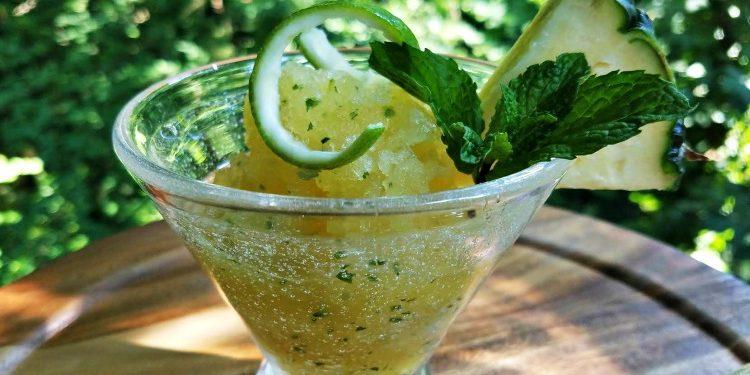 DOLE® Canned 100 Pineapple Juice 9