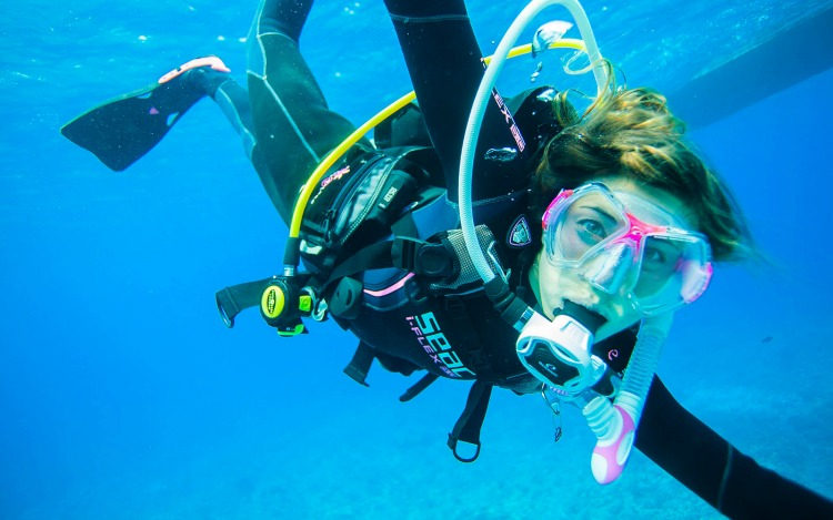 2nd Annual PADI Women's Dive Day is 7/16/2016 - Discover or Rediscover Scuba Diving #padiwomen #padiwomensdiveday