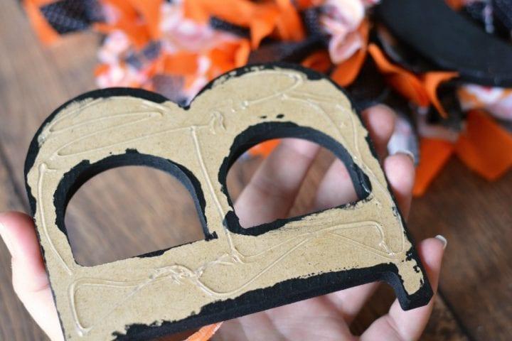 diy-halloween-boo-scrap-fabric-wreath-10
