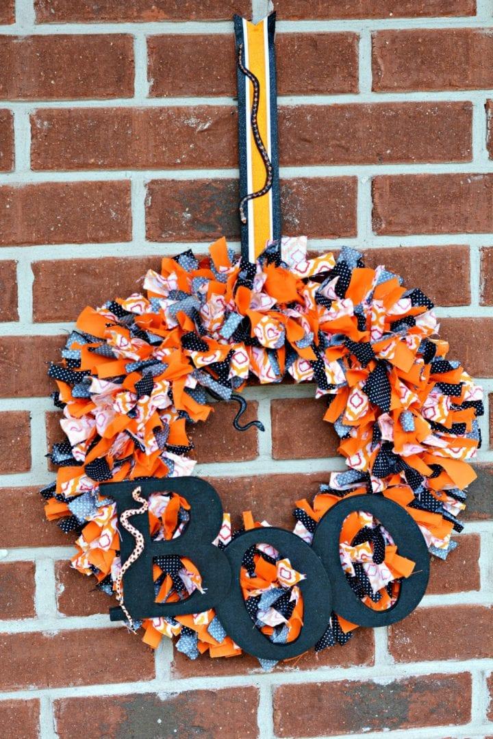 diy-halloween-boo-scrap-fabric-wreath-19