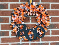 diy-halloween-boo-scrap-fabric-wreath-20