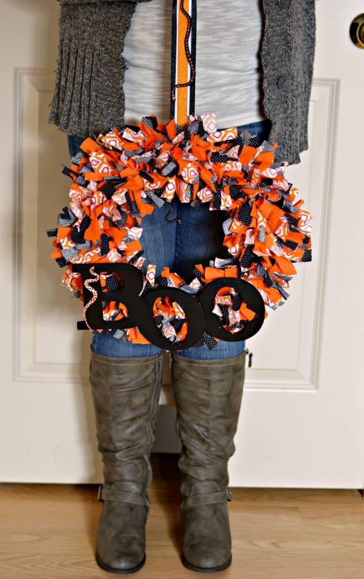 diy-halloween-boo-scrap-fabric-wreath-22