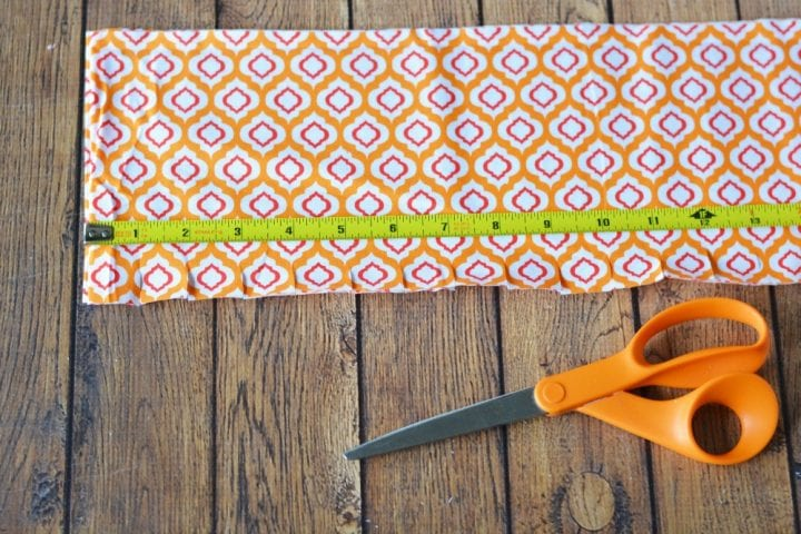 diy-halloween-boo-scrap-fabric-wreath-29