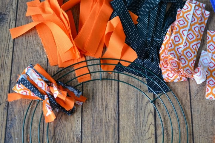 diy-halloween-boo-scrap-fabric-wreath-5