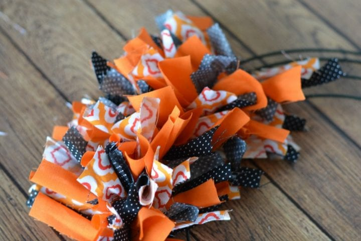 diy-halloween-boo-scrap-fabric-wreath-7