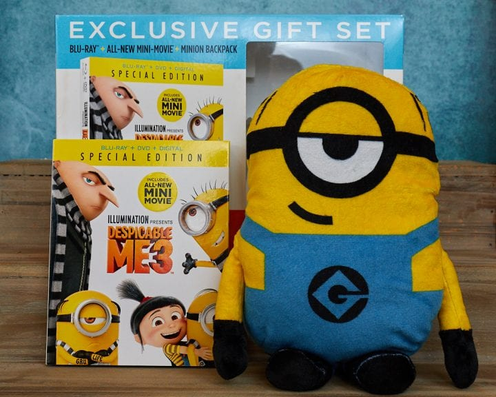This exclusive gift set has great Minion stocking stuffers.