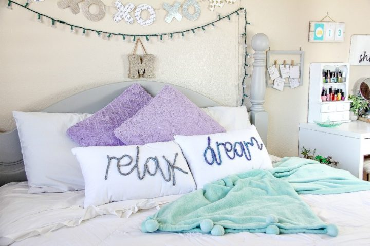 DIY Decorative Word Pillows