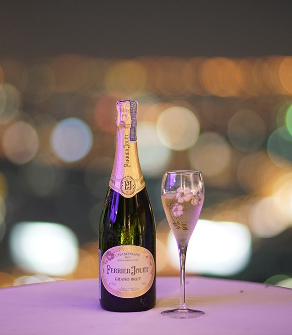 World's highest open-air Champagne Bar | lebua's Flute A Perrier Jouet Bar