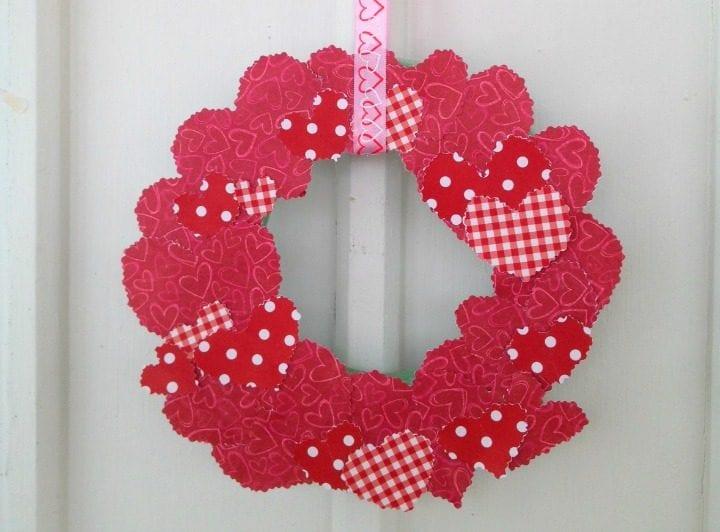 DIY Scrapbook Paper Valentine's Day Wreath