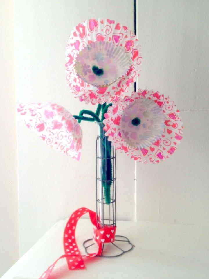 DIY Valentine's Day Cupcake Blooms Centerpiece