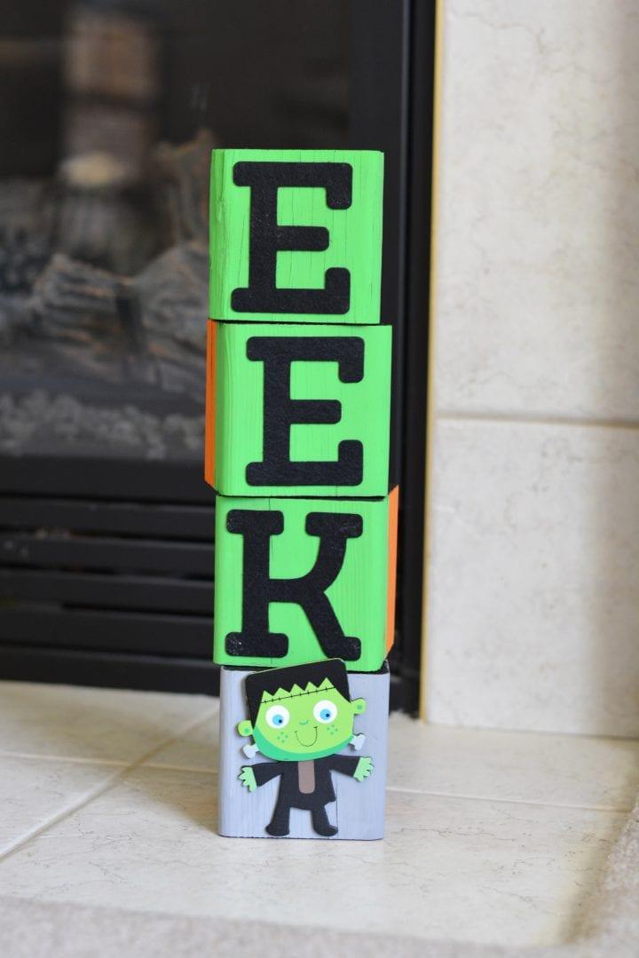 Easy Halloween DIY: EEK Wood Blocks