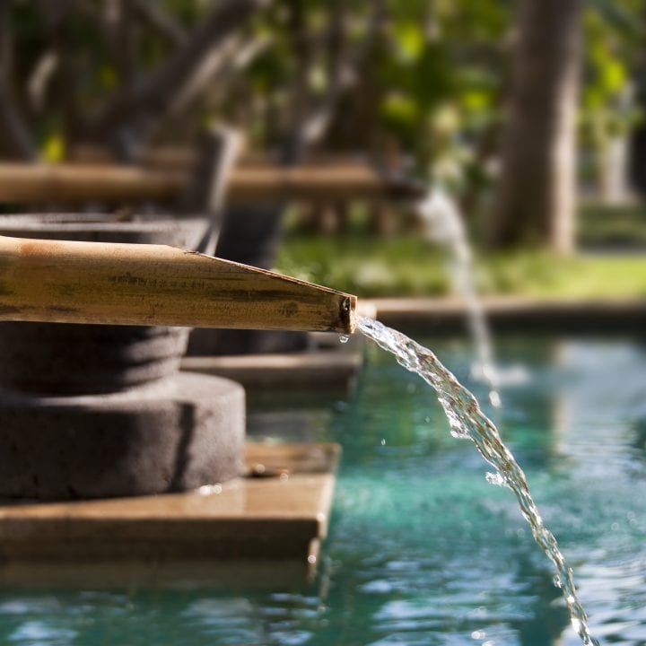 5 Incredible Water Fountains For Your Yard