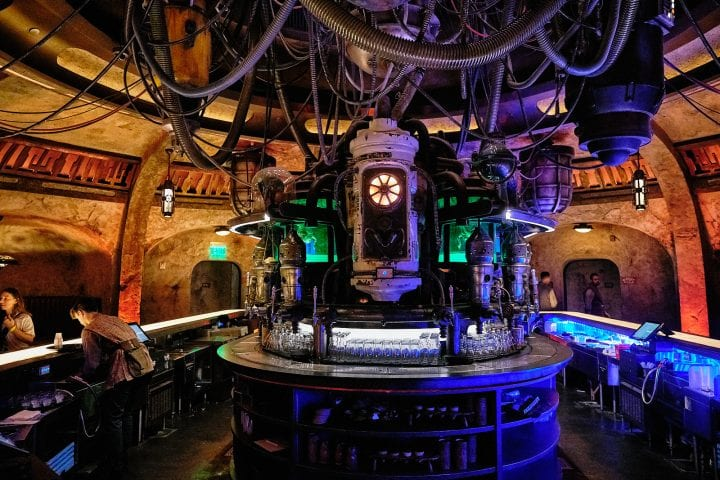 Disney's Star Wars Galaxy's Edge : An Evening on Batuu - Oga's Cantina Top of Bar