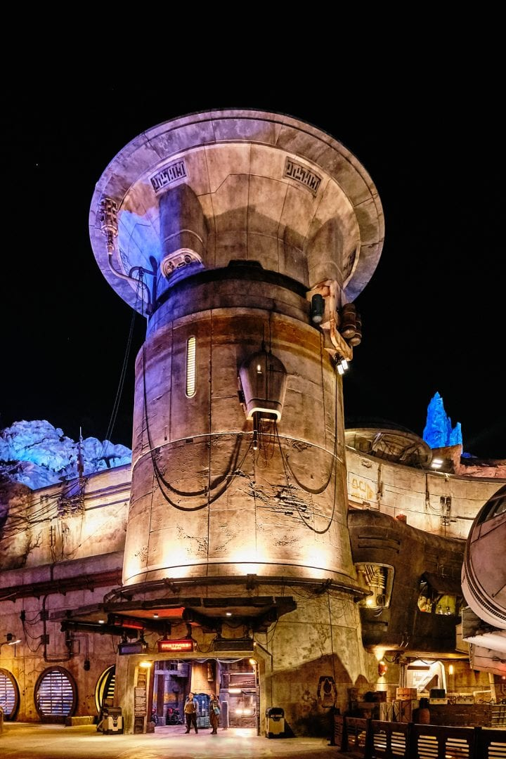 Disney's Star Wars Galaxy's Edge : An Evening on Batuu - Millennium Falcon Smugglers Run Entrance