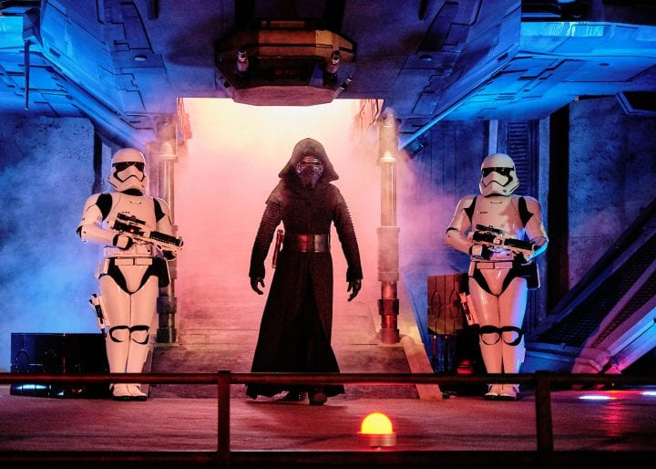 Disney's Star Wars Galaxy's Edge : An Evening on Batuu - Kylo Ren Enters