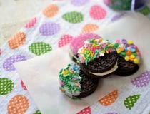 Easter White Chocolate Dipped OREOs