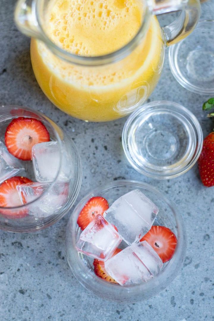 How to Make Strawberry Mango Lemonade