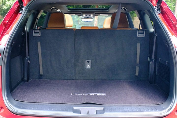 2020 Toyota Highlander Hybrid Platinum back storage